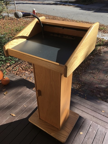 Church Podium Sound Craft Lectern 2 with PAMicLight